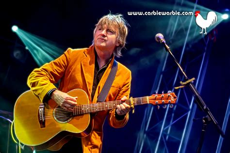 Sends A Message To Fans by Fan Sends A Message To His During Neil Finn