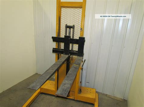 Lift Rite Self Contained 12 Volt Electric Pallet Stacker