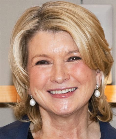 martha stewart haircut martha stewart short wavy casual hairstyle