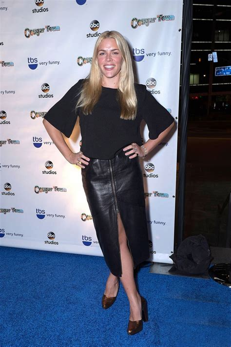 busy philipps hits  red carpet  cougar town series