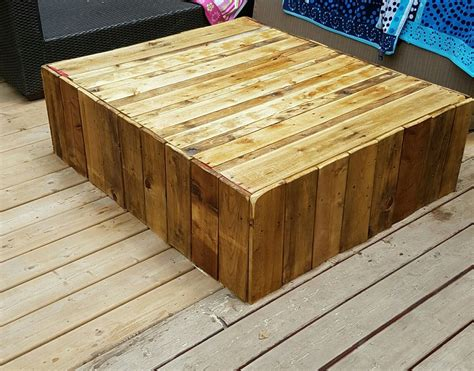 pallette outdoor coffee table