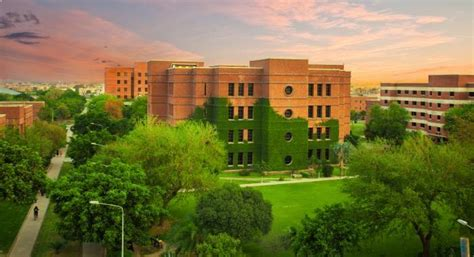 Top Mba Colleges In Asia 2017 by Lums Among Top 50 Universities In Asia Qs Graduate