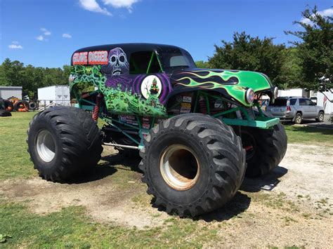 monster truck videos online download grave digger monster truck are the s big dan