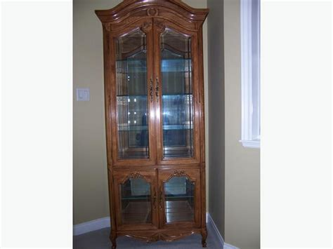 thomasville curio cabinet price reduced nanaimo