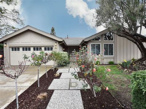 Houses For Sale In Redwood City Ca by 94061 Real Estate 94061 Homes For Sale Zillow