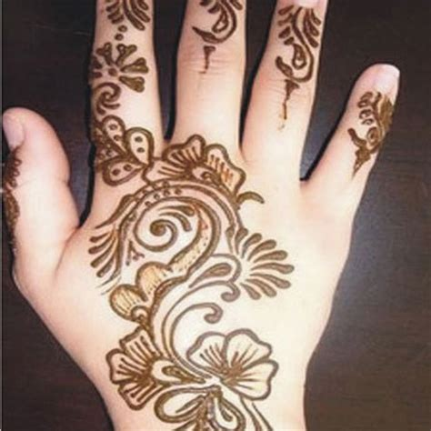 lovely work using henna designs by uk artist humna mustafa 15 images of top beautiful mehndi designs for kids 2016