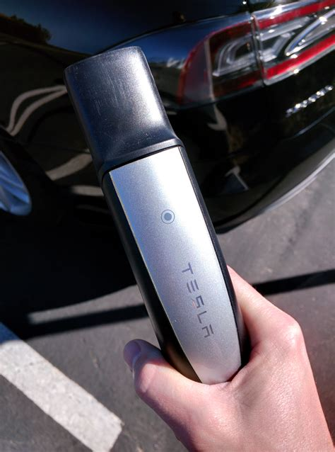 Tesla Supercharger Connector Tesla Supercharger Gets New Touch Sensitive Buttonless