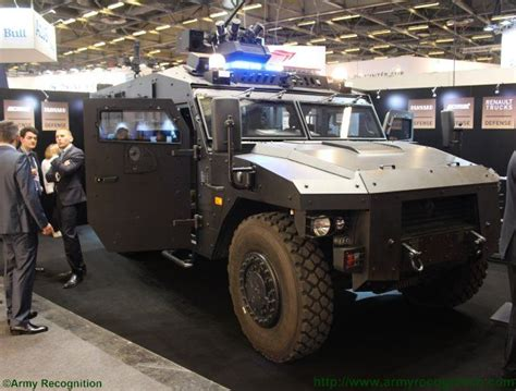 renault trucks defense renault trucks defense new sherpa light apc xl starring at