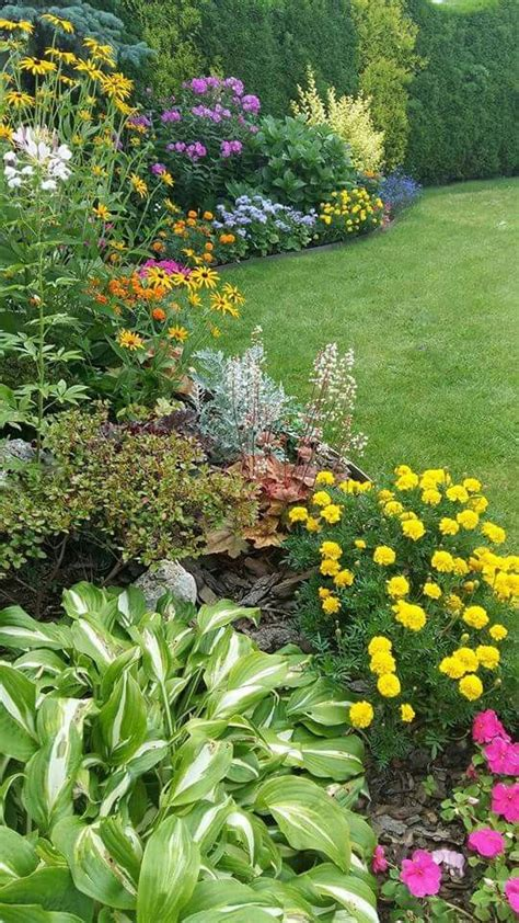 Design Flower Garden Backyard Flower Garden And Landscaping Design Backyard Garden Ideas Zahrady