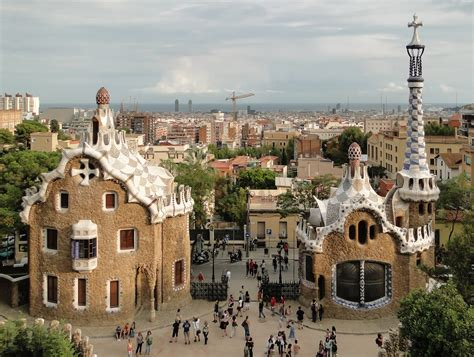 35 fabulous photos of Park Guell in Barcelona,Spain