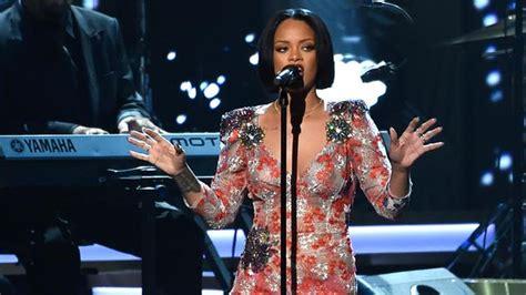 Rihanna Concert Houston Toyota Center Rihanna Reschedules Concert Dates Including Houston Show