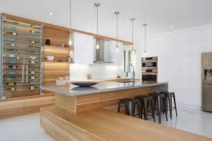 armoires de cuisine moderne en acrylux et hickory