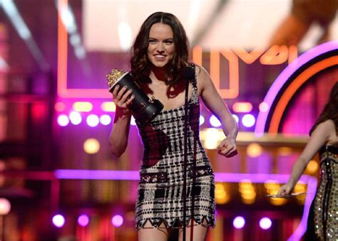 best breakthrough performance mtv awards grande and at mtv awards
