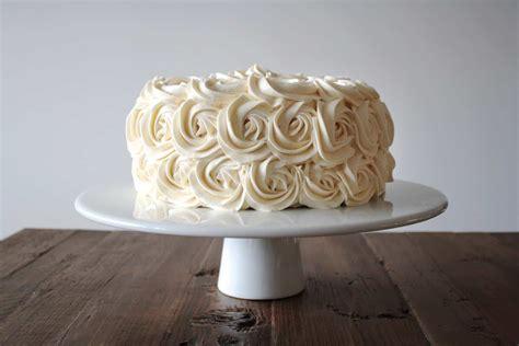 Gold Box Butter Layer Cake 1 simple vanilla buttercream liv for cake