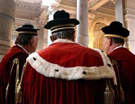 corte suprema cassazione corte di cassazione puttaniere al marito