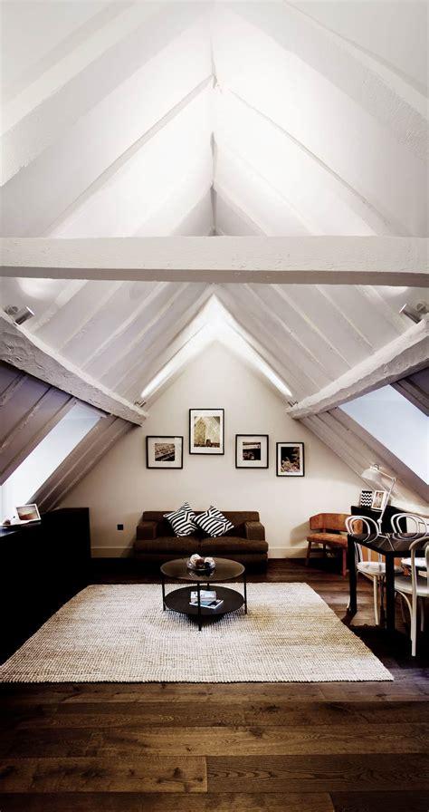 average  minimum ceiling height   house
