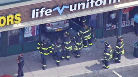 car crash new york car crashes through staten island new york storefront
