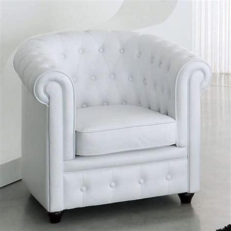 fauteuil club capitonn 233 blanc chesterfield maisons du monde