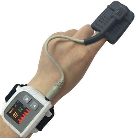 pulsazioni alla testa pulsossimetro saturimetro da polso a orologio allarmi