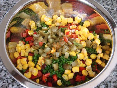 yemek tarifi karides salatasi resimli 28 meksika fasulyesi salatası nasıl yapılır 4 8 resimli