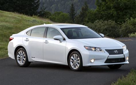 2014 Lexus Es300h Hybrid Delivers Excellent Fuel Economy