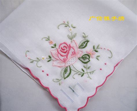 embroidery design in handkerchief 824 best embroidery handkerchiefs images on pinterest