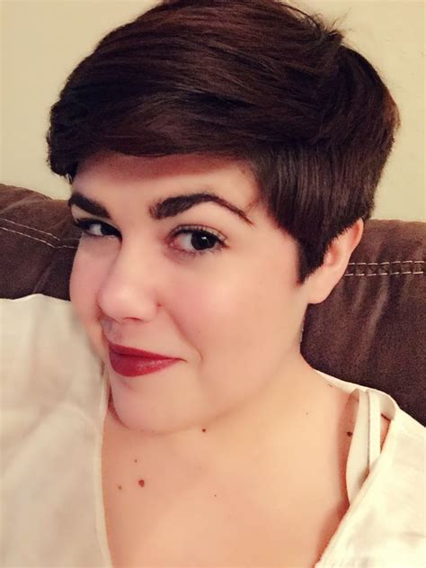 is pixie haircut good for overweight 2993 best pixie haircuts images on pinterest hairstyles