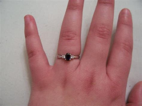 Best Engagement and Wedding Rings for Fat Fingers   InfoBarrel