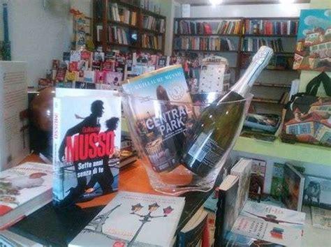 libreria le storie pillole di conoscenza e gocce di vino alla libreria le