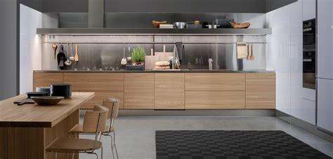 White And Wood Kitchen by Gamma Products Arclinea
