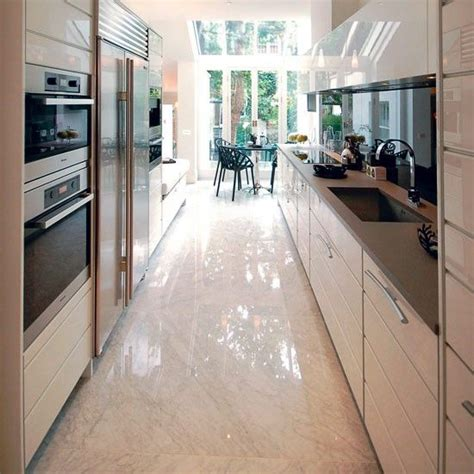 kitchen layout long narrow 25 best ideas about small galley kitchens on pinterest