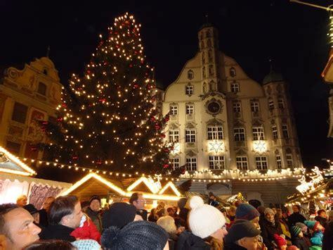 15 meter lichterglanz der memminger christbaum kommt