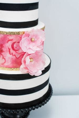 Kate Spade Mandy Ribbon Brown 23x18x10 Striped Cake With Dainty Pink Roses