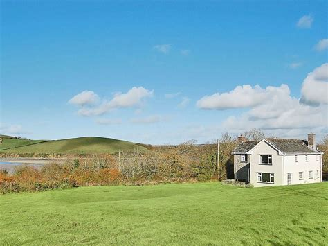 Friendly Cottages In Padstow by 4 Bedroom Property In Padstow Pet Friendly Homeaway