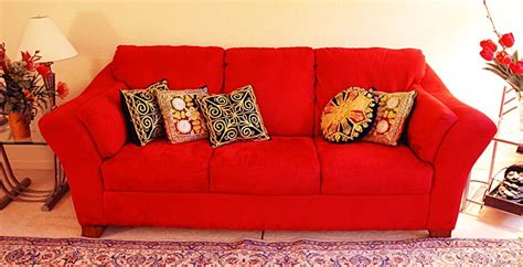 what color pillows for red couch red sofa pillows red couch pinterest