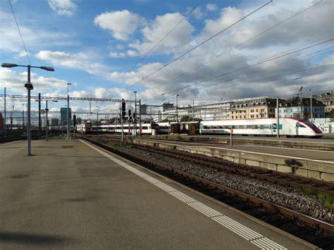 Schweizer Kursbuch Wissen Wann Der Zug F 228 Hrt