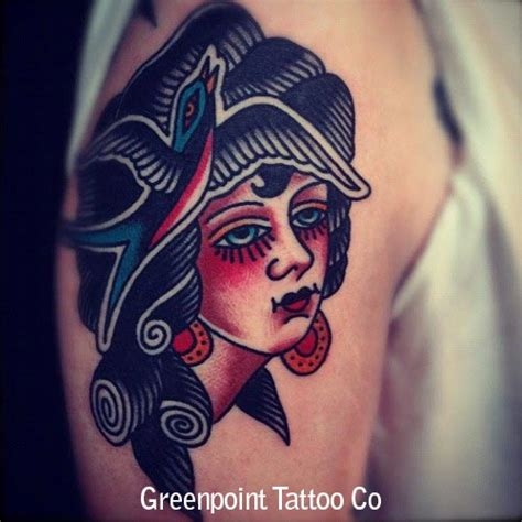 tatouage old visage femme et hirondelle inkage