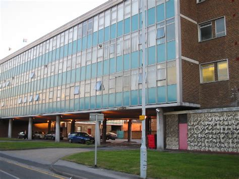 buy house in slough quot the office quot slough trading estate 169 darren smith cc by sa 2 0 geograph britain
