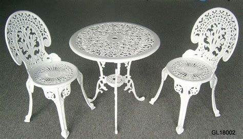 Cast Iron Bistro Table And Chairs China Cast Iron 3pc Bistro Table And Chair Set Gl18002 China Bistro Set Garden Furniture