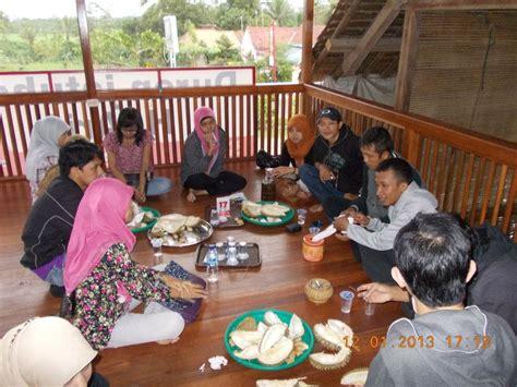 capture lifes moments berburu durian jatohan punya haji