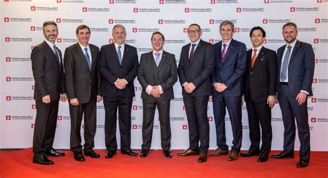 Toyota Customer Care Uk Uk Toyota Retailers Celebrate Top European Honour For