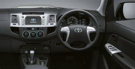 toyota hilux invincible  top speed