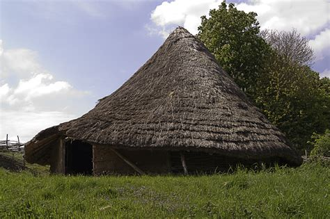 round house cut a way of celtic roundhouse iron age interest pinterest celtic