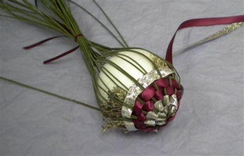 weaving ribbion through christmas tree weaving ribbons lavender ornament ornaments trees natale