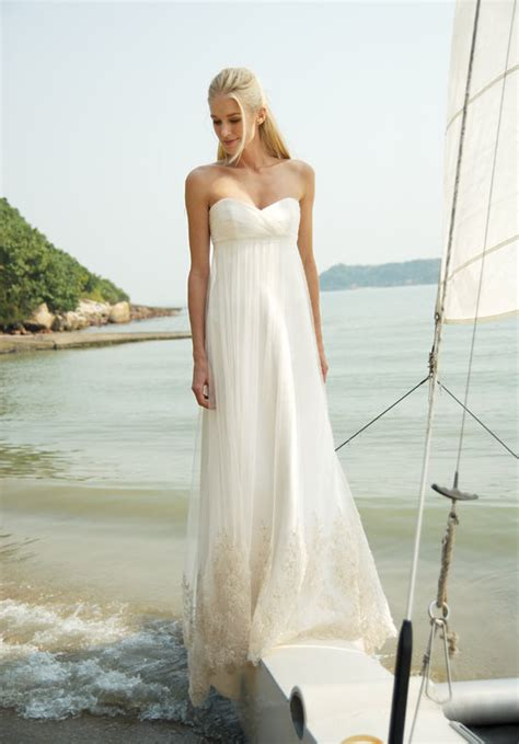 Beach Wedding Dresses – Looking Sexy and Fantastic with Strapless Beach Wedding