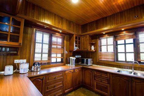 penginapan kampung style  carpe diem orchard home