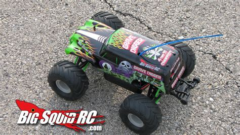 grave digger truck specs traxxas 1 16 grave digger review 171 big squid rc rc car