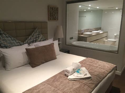 2 bedroom apartments surfers paradise accommodation soul apartments review surfers paradise luxury