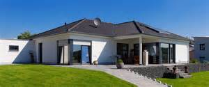 was kostet ein ka haus bungalow bauen kosten bungalow bauen baureihe kompakt