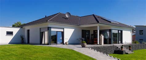 bauen mit massa haus massives bungalowhaus 99 170 ibs haus massivh 228 user